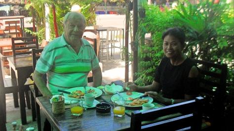 breakfast,maephim,laemmaephim,Klaeng,Thailand,restaurant,restaurants